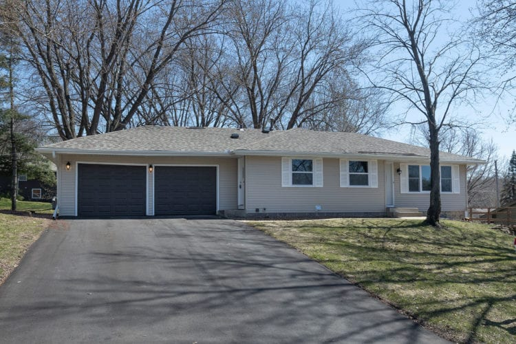 13021 Lakeview Drive, Burnsville