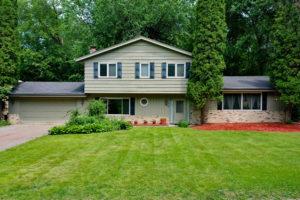 6124 w 104th front